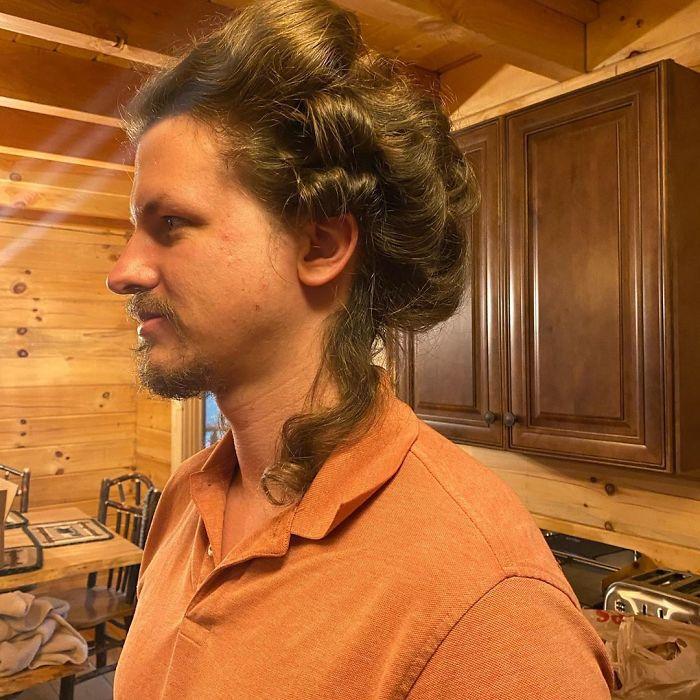 doing boyfriends hair quarantine heidi oley17 5e7b51716d701 700
