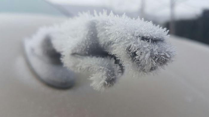 frozen car art winter frost 26 5880907deffd6 700