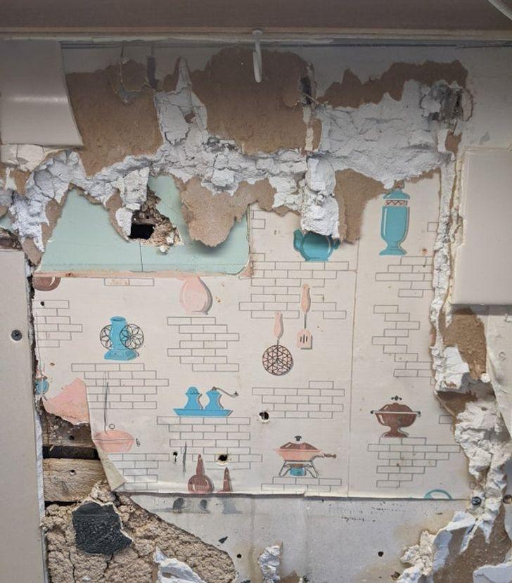 20 Casas antiguas que ocultaban grandes secretos en sus paredes, hasta que alguien los halló